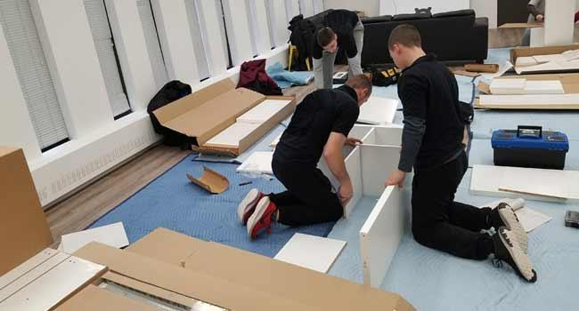 Đội ngũ nhân viên đang chuyển văn phòng  trọn gói tại Hoàn Kiếm