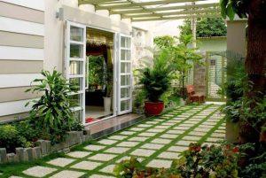 Nhà đẹp với không gian xanh bao quanh